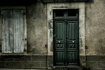 qu'y a-t-il derrière cette porte ?
