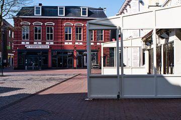 Een weer om op een terras te zitten... van JM de Jong-Jansen