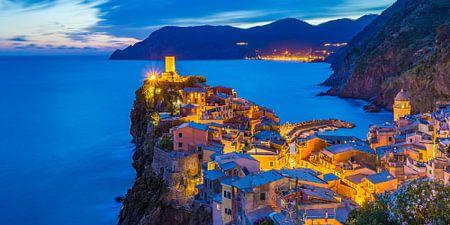 Vernazza bei Nacht - Cinque Terre, Italien - 4