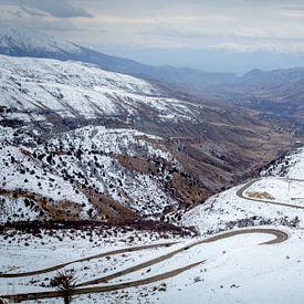 Armeens bergdal in de sneeuw van Julian Buijzen