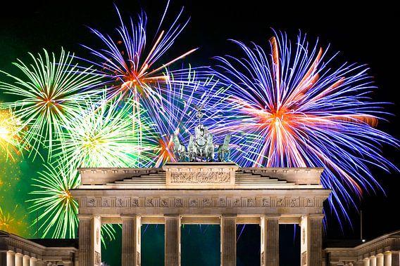 Vuurwerk bij de Brandenburger Tor in Berlijn