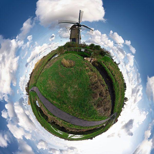 Planet Holland met molen van Ties van Veelen