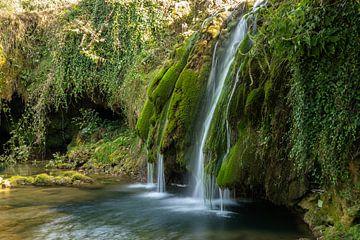 Watervallen in Nationaal Park Plitvička Jezera, Kroatie van Gert Hilbink