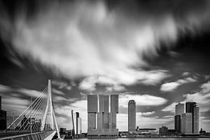 De kop van Zuid, Rotterdam in zwart-wit.