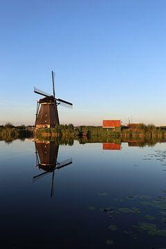 molen gespiegeld in het water van Bernadet Gribnau