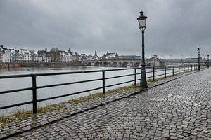 Winterse kijk op Maastricht en de Sint Servaasbrug