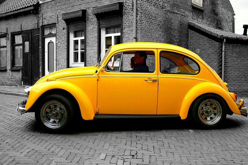 Volkswagen kever  coloursplash van Elly Wille-Neuféglise