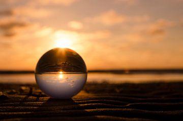 zonsondergang met lensball sur Annelies Cranendonk