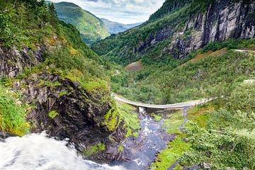 Skjervsfossen waterval bij Vossevangen in Noorwegen van