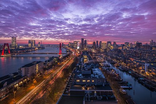 Het panoramisch uitzicht over Rotterdam van