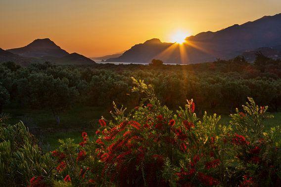 Kreta zonsondergang van Hans van den Beukel