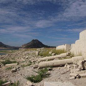 Resten Romeinse olijfmolen van Jan Katuin