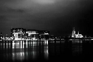 Dom van Keulen, Kranhäuser, zwart en wit