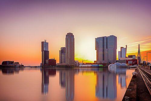 Rotterdam Skyline at sunset sur