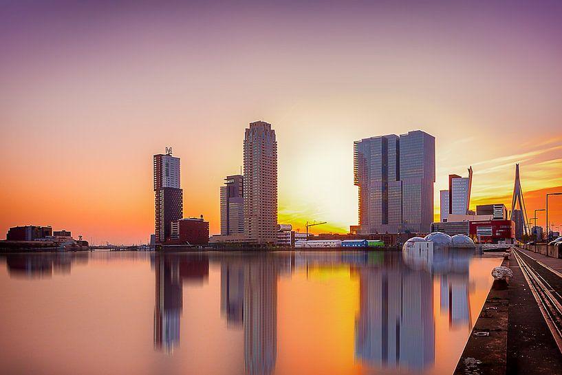 Rotterdam Skyline at sunset van Ralf Linckens