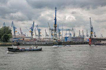 Dock Elbe 17 von Bernd Garbers