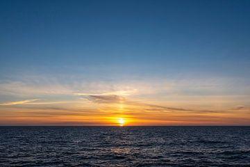 Zonsopkomst boven de Noordzee von Sven Scraeyen