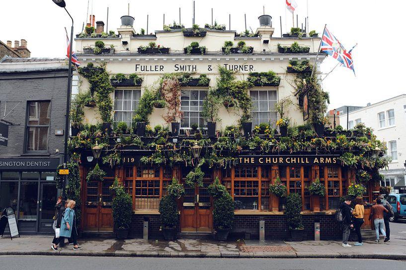 De Churchill Arms pub, Notting Hill, Londen van Roger VDB