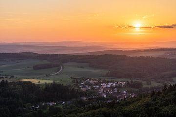 Uitzicht vanaf de grote piek in de avond van Marc-Sven Kirsch