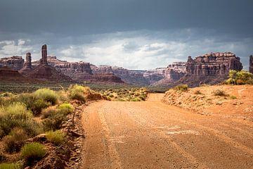 De weg door Valley of the Gods van