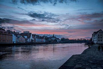 Regensburg 's avonds met zonsondergang van Thilo Wagner