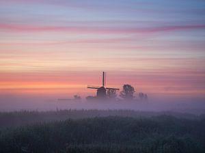 Molen in de mist (Noord-Holland) van Tomas van der Weijden
