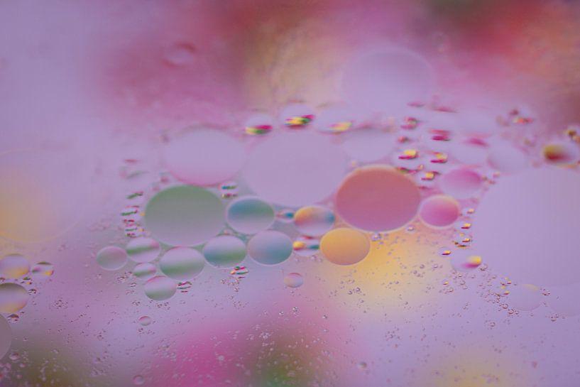 Gekleurde bubbels van Marjan Noteboom