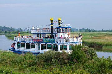 Ostsee - Ausflugsschiff auf dem Prerower Strom (Darß) von t.ART
