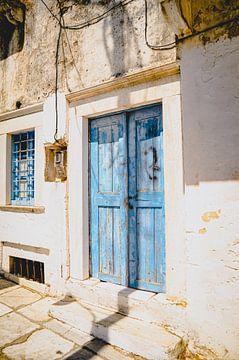 Porte bleue sur Daphne Groeneveld