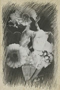 Frau mit Blumen von Marianna Pobedimova