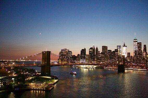 Brooklyn Bridge New-York City Skyline Sunset Moon