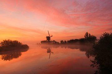 zonsopkomst kinderdijk van Ilya Korzelius