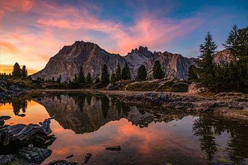 Lago Limides zonsondergang van Marc Vandijck