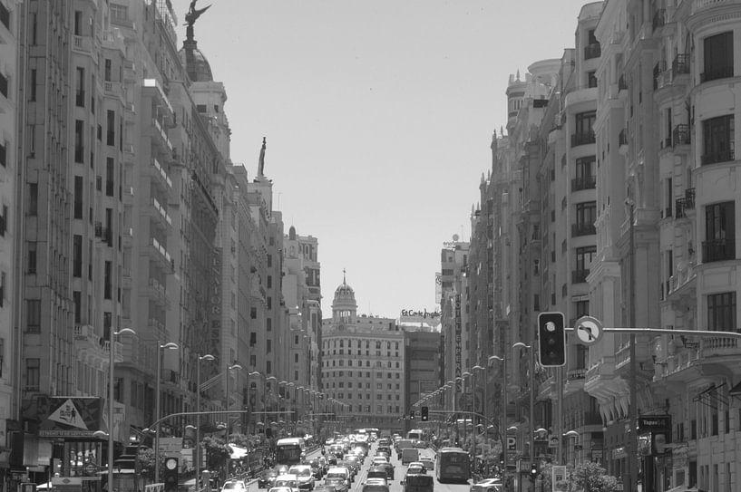 Gran Via in Madrid sur Ilona van der Burg