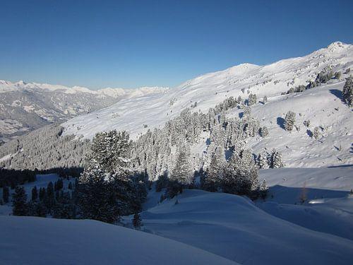 Witte bergen, sneeuw sur