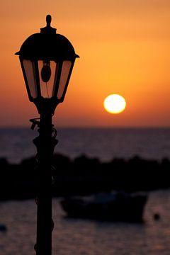 Oranje zonsopkomst van Dennis Claessens