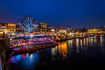 Prins Hendrikkade, Amsterdam tijdens Amsterdam Light Festival van Stephan Neven