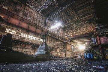 Verlaten industrie van Rowan Sabandar