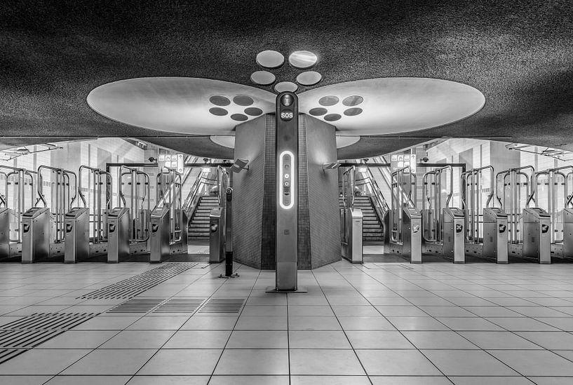 De stationshal van treinstation Rotterdam Blaak in Rotterdam van MS Fotografie