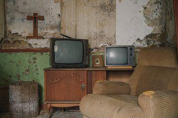 Verlassenes Haus in der Nähe eines Bauernhofs von Tim Vlielander