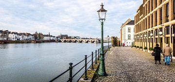 Maastricht - gefotografeerd vanaf de Maaskade van Henk Verheyen