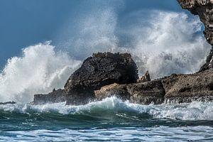 Onstuimige oceaangolven bij La Pared op Fuerteventura