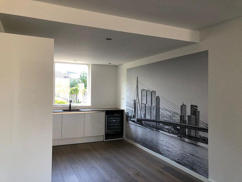 Klantfoto: Erasmusbrug Rotterdam  van Midi010 Fotografie, op naadloos behang