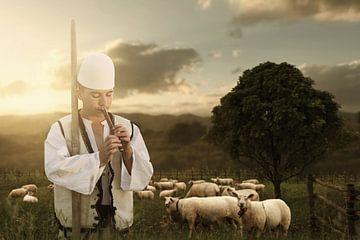 Herder in folkloristische klederdracht speelt fluit voor kudde schapen van Besa Art
