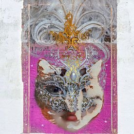 The cat inside the woman von Gabi Hampe
