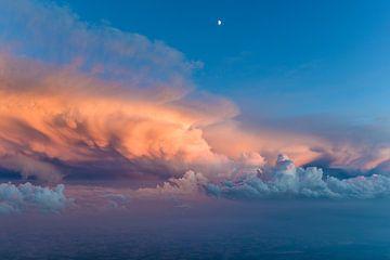 Onweersbui bij zonsondergang van Denis Feiner