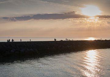 Havenhoofd bij de haven van Scheveningen, Den Haag van Sjoerd van der Hucht