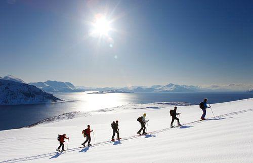 Ski touring in der Lyngen Alpen von Norwegen