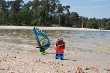 Lars maakt foto van windsurfer van Ilze de Meer