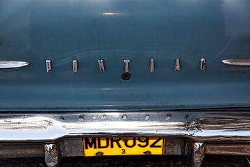 Cubaanse Pontiac Chieftain met kenteken MDR 092 (kleur)
